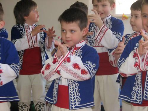 народни танци за деца гр. Варна